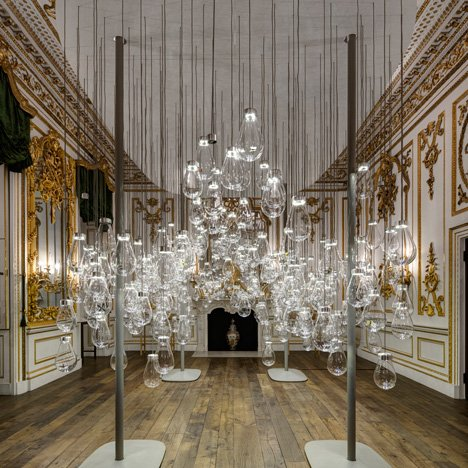 Mischer'Traxler fills V&A room with interactive glass bubbles for Curiosity Cloud installation