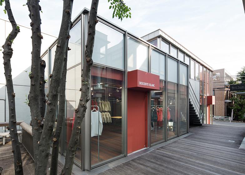 Descente Blanc Tokyo store by Schemata