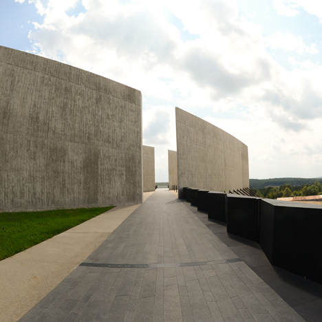 Flight 93 Memorial opens in Pennsylvania to mark 14th anniversary of 9/11
