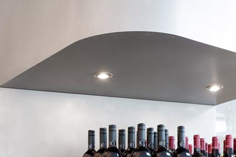 Grocery-Store_Messner-Architects_dezeen_468_12