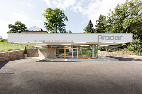 Grocery-Store_Messner-Architects_dezeen_468_14