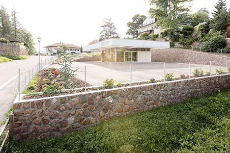 Grocery-Store_Messner-Architects_dezeen_468_2