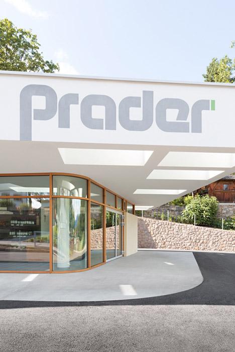 Grocery-Store_Messner-Architects_dezeen_468_3