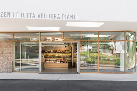 Grocery-Store_Messner-Architects_dezeen_468_5