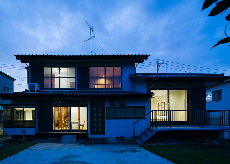 House in Hatogaya by Schemata Architects