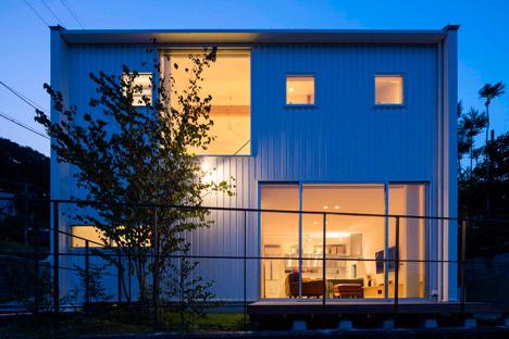 House-in-Ikoma-by-Arbol-Design-Studio_dezeen_468_11