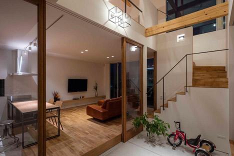 House-in-Ikoma-by-Arbol-Design-Studio_dezeen_468_13