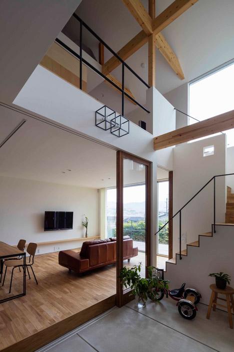 House-in-Ikoma-by-Arbol-Design-Studio_dezeen_468_4