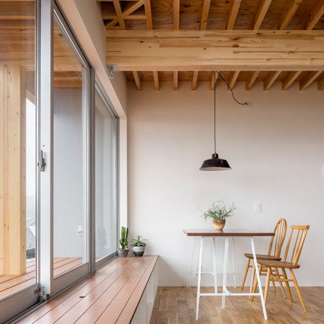 House-in-Kitakamakura_Sunao-Koase-Architects_dezeen_sq