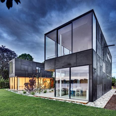 Lakehouse-in-Austria_Maximilian-Eisenkock-Architecture_dezeen_468_1