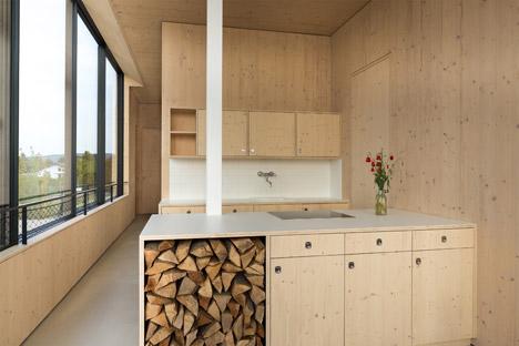 Lakehouse-in-Austria_Maximilian-Eisenkock-Architecture_dezeen_468_11
