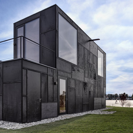 Lakehouse-in-Austria_Maximilian-Eisenkock-Architecture_dezeen_468_6
