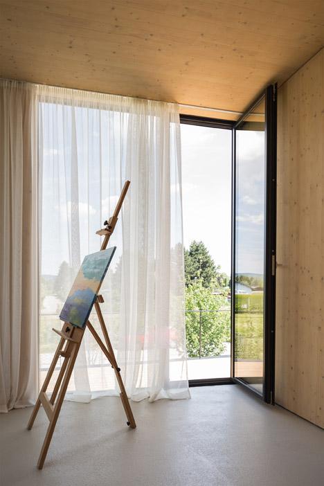 Lakehouse-in-Austria_Maximilian-Eisenkock-Architecture_dezeen_468_8