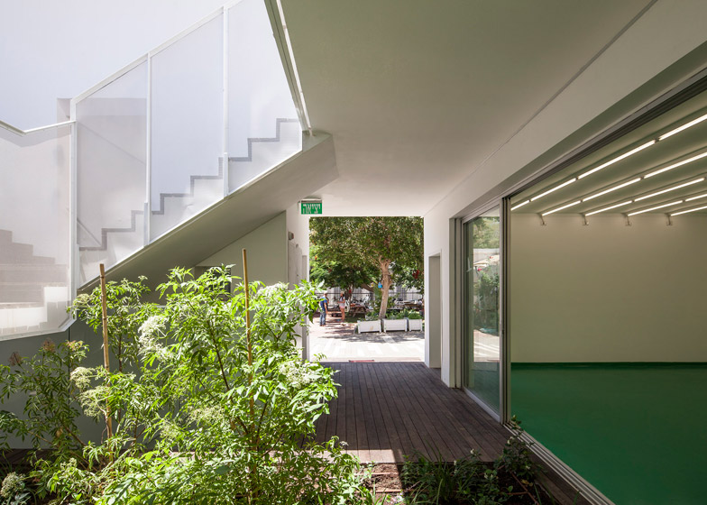 Marc Chagall School by Paritzki and Liani architects