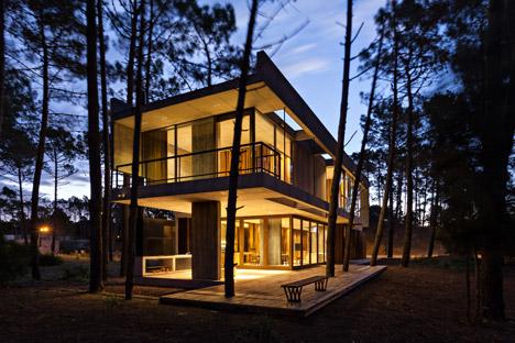 Marino House by ATV Arquitectos