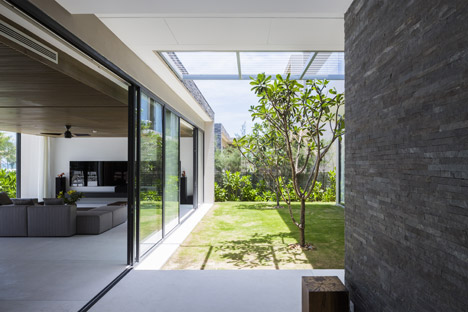 Naman Villa by MIA Design Studio