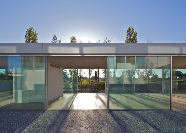 Pavilion M by PPA Architectures