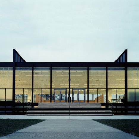 SR-Crown-Hall_Mies_dezeen_sq