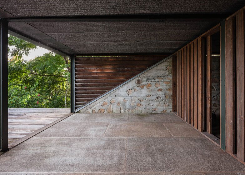 SaLo House by Patrick Dillon