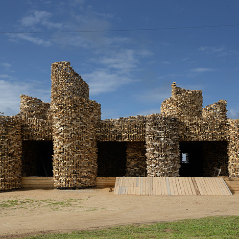 Nikolay Polissky's SELPO pavilion is covered in thousands of wood offcuts