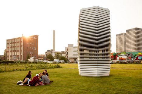 Smog Free Tower. Une tour qui purifie l'air.