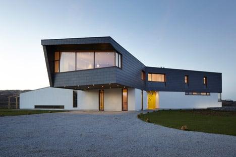 Split house by Alma-nac