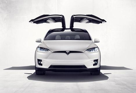 Tesla-Model-X_dezeen_468_2