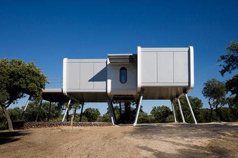 The-Spaceship-Home-by-NOEM_dezeen_468_0