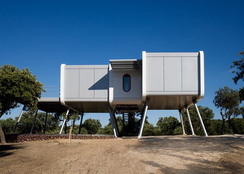 noem s spaceship home is a shiny sci fi structure rh dezeen com