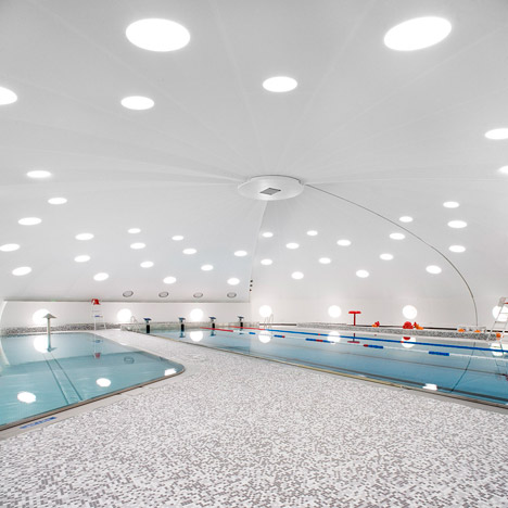 Tournesol Swimming Pool by Urbane Kultur