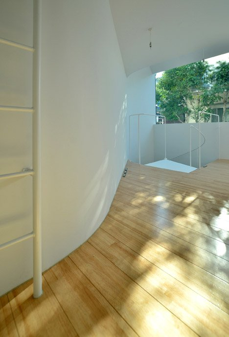 Townhouse in Takaban by Niji Architects