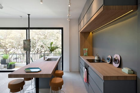 55 metre Tel Aviv apartment by Maayan Zusman and Amir Navon