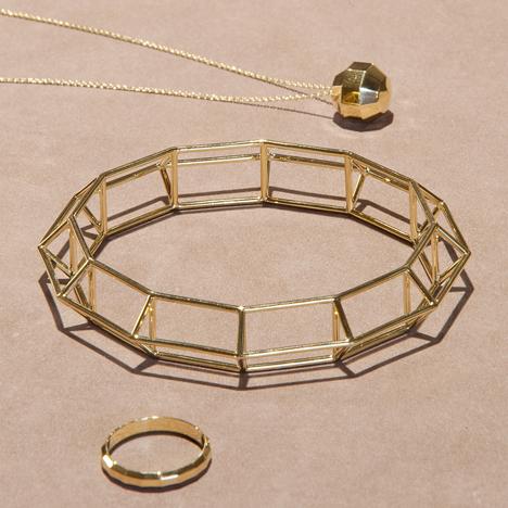 AE-Kochert-Juweliere_dezeen_sqa
