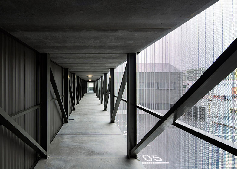 Ademia office and warehouse building by Joao Mendes Ribeiro
