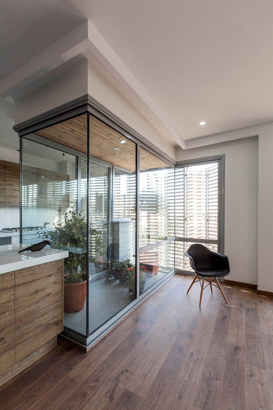 Ayeneh office gives tehran apartments a textured facade for Office design dezeen