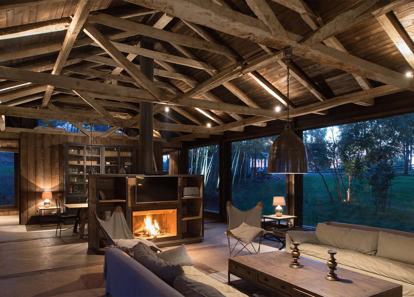 Barn al lake Ranco by Estudio Valdes Arquitectos