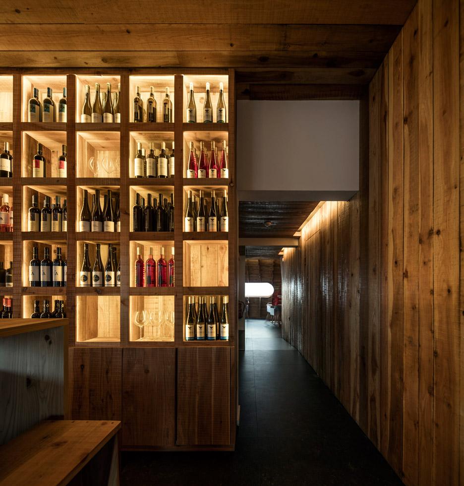 Cella-Bar_FCC-Arquitectura-Paulo-Lobo_dezeen_936_18