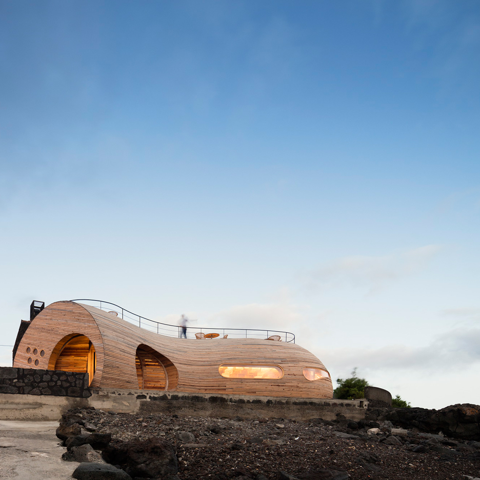 Cella-Bar_FCC-Arquitectura-Paulo-Lobo_dezeen_936_22
