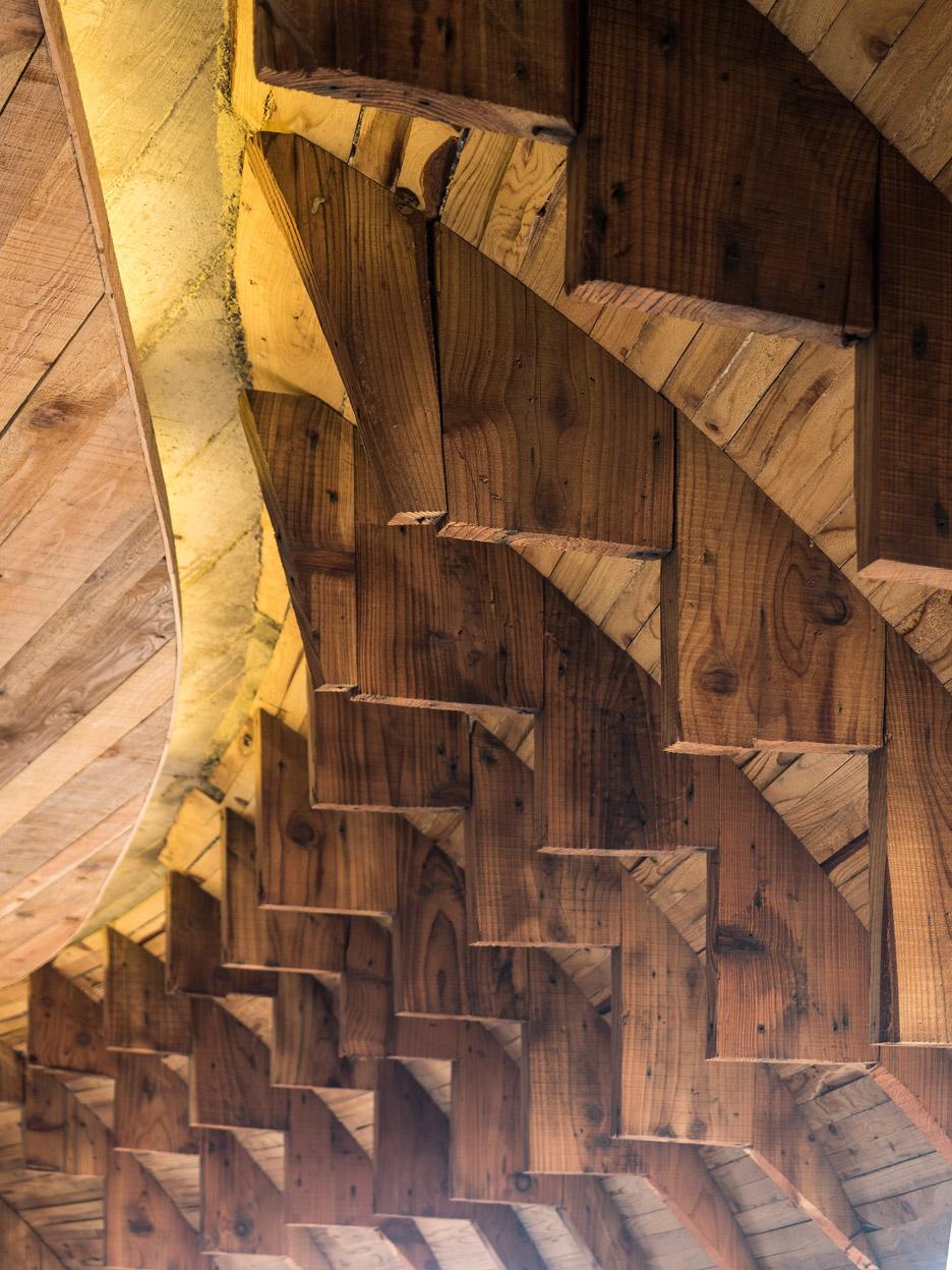 Cella-Bar_FCC-Arquitectura-Paulo-Lobo_dezeen_936_25