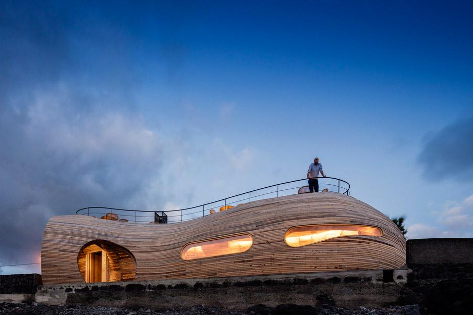 Cella-Bar_FCC-Arquitectura-Paulo-Lobo_dezeen_936_68