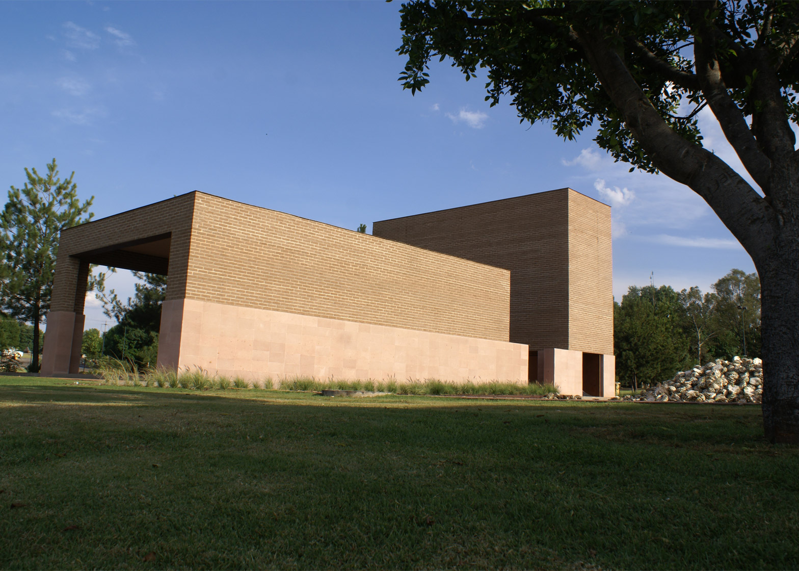 Centinela Chapel by Estudio ALA