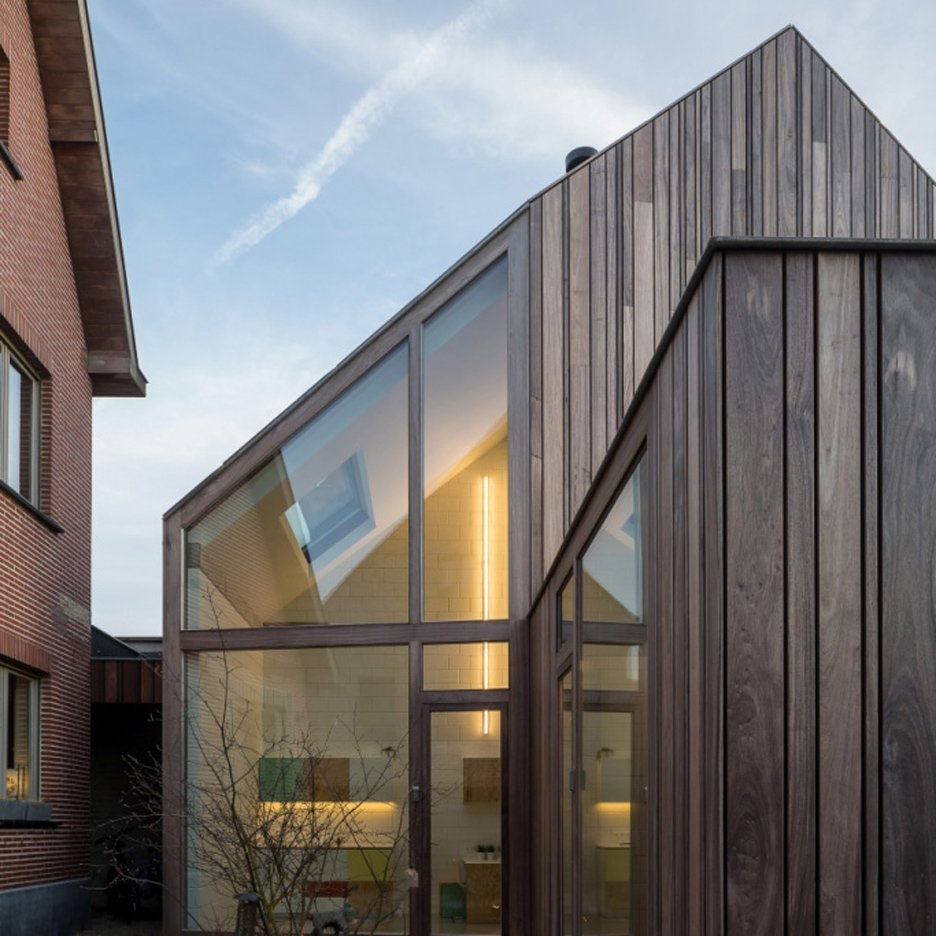 Dentist-practice_Declerck-Daels_Bruges_dezeen_sq1