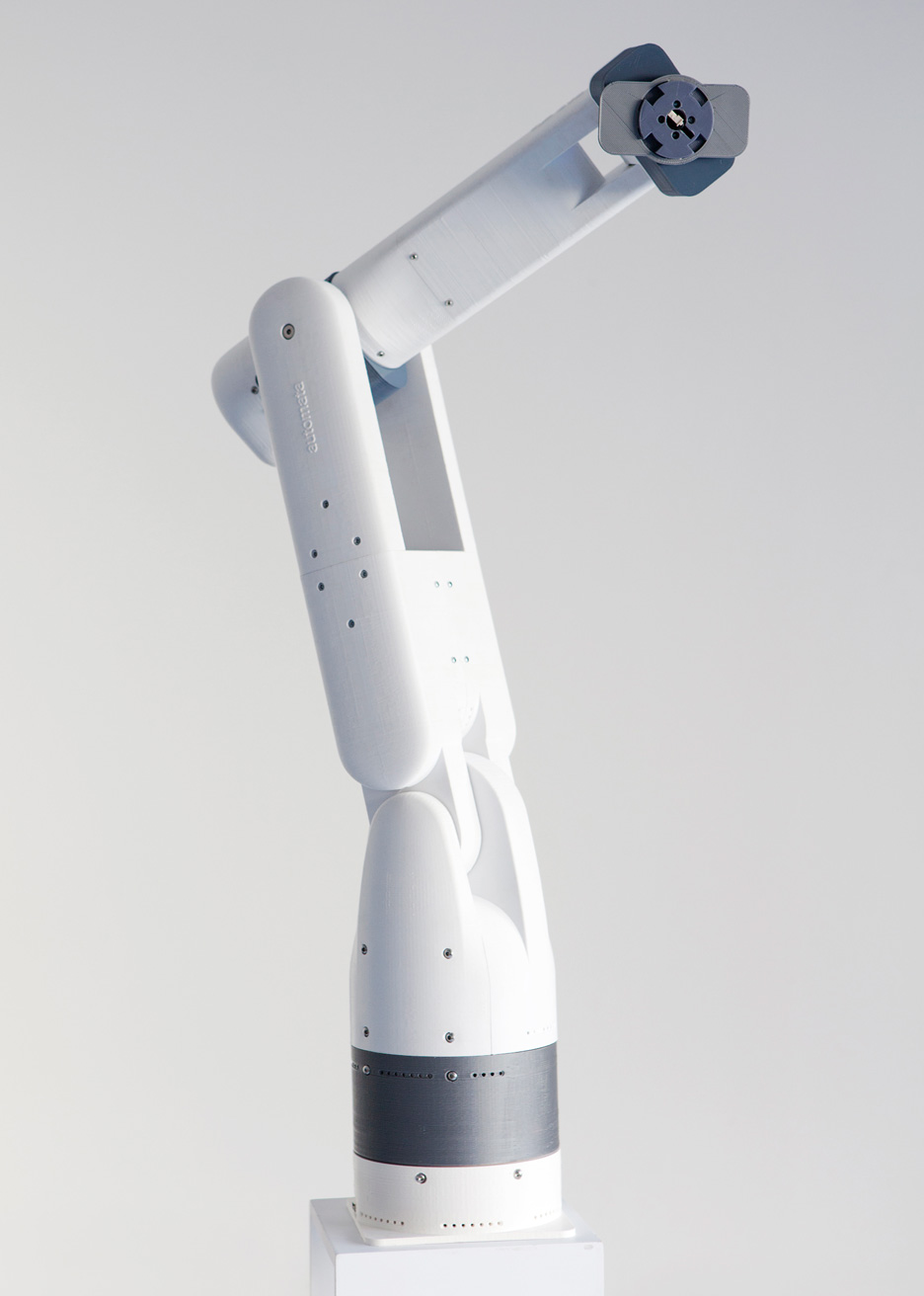 Movie Automata Develops 3 000 Six Axis Robotic Arm