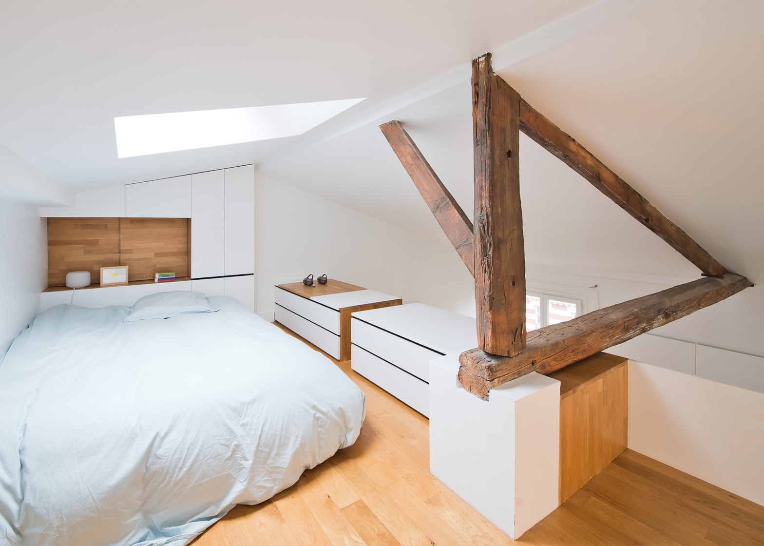 SABO Project transforms Paris interior with space-saving stairs
