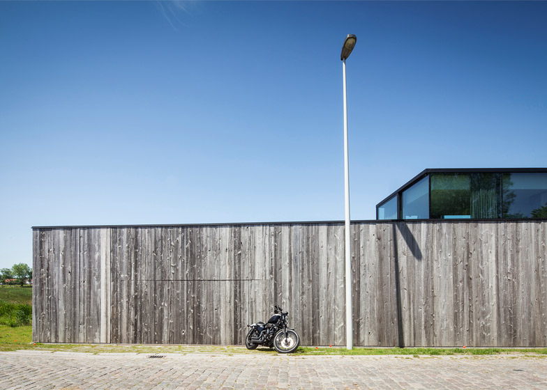 House Graafjansdijk by Govaert Vanhoutte architects