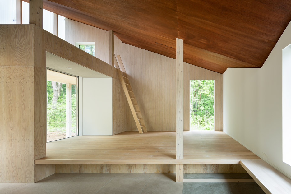 House in Mount Fuji by Hiroki Tominaga Atelier
