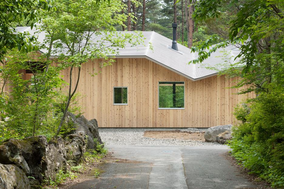 House-in-Mount-Fuji_Hiroki-Tominaga-Atelier_dezeen_936_5