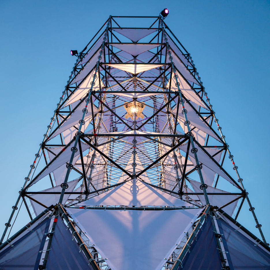 Dennis Parren installs illuminated tower at Lowlands music festival