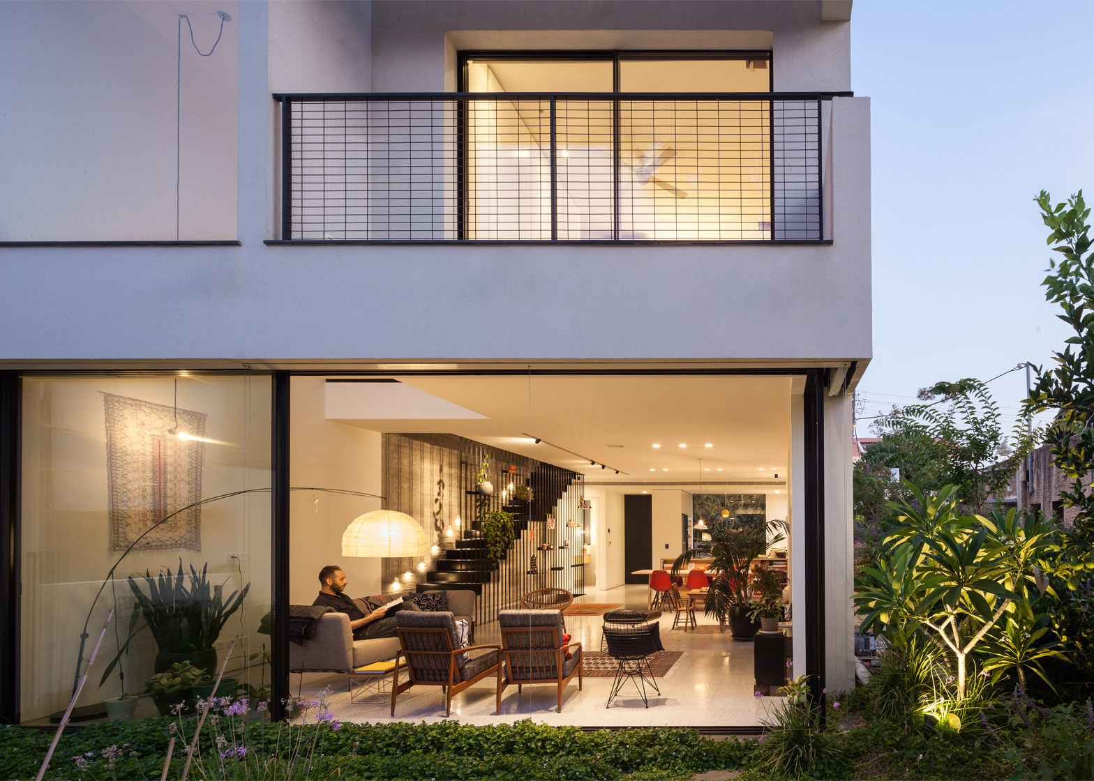 Mendelkern townhouse in Tel-Aviv by David Lebenthal Architects
