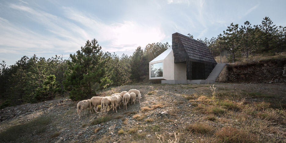 Mountain-House_Serbia_EXE-studio_dezeen_936_13